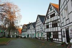 Sikt av den pittoreska gamla staden av Wuelfrath Arkivfoto