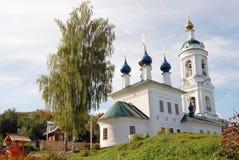 Sikt av den Ples staden, Ryssland Helgon Barbara Church Royaltyfri Fotografi