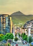 Sikt av den Puy de Dome vulkan från Clermont-Ferrand, Frankrike fotografering för bildbyråer