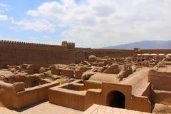 Sikt av den Rayen slotten, Iran arkivbilder