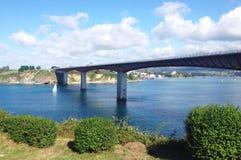 Sikt av den Ribadeo bron i Galicia Royaltyfri Bild