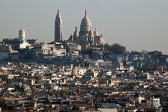 Sikt av den Sacre Coeur basilikan från Arc de Triomphe Royaltyfri Fotografi