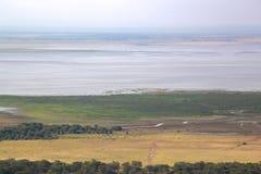 Sikt av den sjöManyara nationalparken Tanzania Royaltyfri Bild