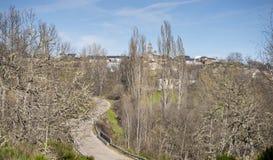 Sikt av den spanska staden Rabano de Sanabria, Spanien Arkivbilder
