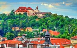 Sikt av den Spilberk slotten i Brno, Tjeckien Royaltyfri Bild