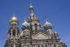 Sikt av den St Petersburg staden, Ryssland spilld kyrklig frälsare för blod Arkivbild