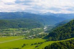 Sikt av den stora Caucasian kanten Arkivfoto