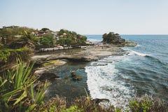 Sikt av den Tanah lotttemplet Bali arkivfoto