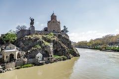 Sikt av den Tbilisi gränsmärket arkivfoto