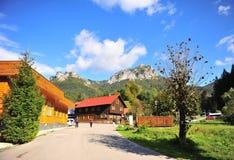 Sikt av den Terchova byn i centrala Slovakien fotografering för bildbyråer