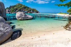 Sikt av den thailändska Nang Yuan ön av den Koh Tao ön Royaltyfria Foton