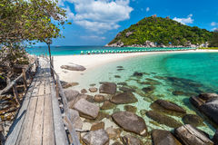 Sikt av den thailändska Nang Yuan ön av den Koh Tao ön Fotografering för Bildbyråer