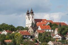 Sikt av den Tihany abbotskloster från den inre sjön, Ungern Fotografering för Bildbyråer