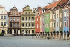 Sikt av den tomma huvudsakliga fyrkanten Stary Rynek på Poznan Royaltyfri Bild