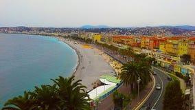 Sikt av den trevliga staden, Promenade des Anglais, Frankrike Royaltyfri Bild