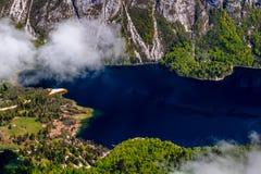 Sikt av den Triglav nationalparken Slovenien Arkivfoto