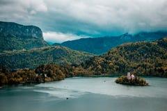 Sikt av den Triglav nationalparken Slovenien Royaltyfri Foto