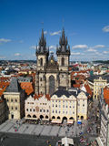 Sikt av den Tyn kyrkan i Prague, Tjeckien Arkivbilder