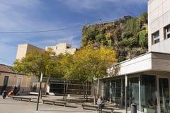 Sikt av den vertikala trädgården av sex golv i San Vicente del Ras Royaltyfri Bild