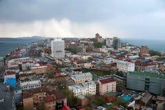 Sikt av den Vladivostok staden Fotografering för Bildbyråer