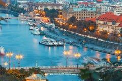 Sikt av den Vltava floden och broar i Prague Royaltyfria Bilder