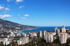 Sikt av den Yalta staden royaltyfria bilder