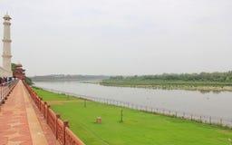 Sikt av den Yamuna floden från Taj Mahal, Agra, Indien Royaltyfria Foton