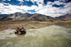 Sikt av den Zanskar dalen Arkivfoton