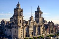 Sikt av den Zocalo fyrkanten och domkyrkan i Mexico - stad Royaltyfria Foton