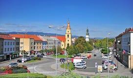 Sikt av den Zvolen stadsmitten på sommar, Slovakien arkivbild