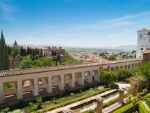 Sikt av det Alhambra slottet och Generalifen Granada Arkivfoto