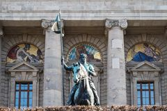 Sikt av det ber?mda tillst?ndskanslit - Staatskanzlei i Munich, Tyskland arkivfoto