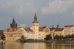 Sikt av det gamla stället Prague Arkivfoto