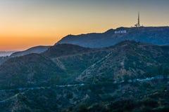 Sikt av det Hollywood tecknet från Griffith Observatory, i Griffit royaltyfri foto
