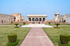 Sikt av det Lahore fortet, Lahore, Punjab, Pakistan Royaltyfri Fotografi
