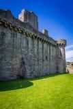 Sikt av det medeltida slottet av stenen Arkivfoton