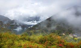Sikt av det Niubeishan berget, sichuan Royaltyfri Bild