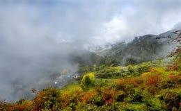 Sikt av det Niubeishan berget, sichuan Fotografering för Bildbyråer