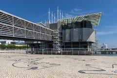 Sikt av det Oceanario de Lissabon Lisbon's akvariet i staden av Lissabon Arkivbilder
