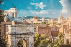 Sikt av det romerska fora i Rome Arkivfoto