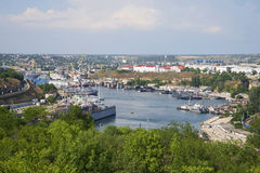 Sikt av det södra Bayet City av den Sevastopol juli dagen crimea Arkivbilder