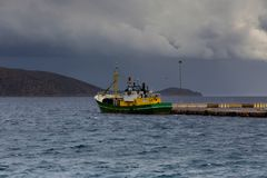 Sikt av det stormiga havet Royaltyfri Bild