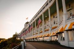 Sikt av det storslagna hotellet på den Mackinac ön Royaltyfria Bilder