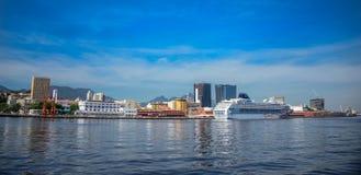 Sikt av det transatlantiska kryssningeyelineranseendet i Rio de Janeir fotografering för bildbyråer