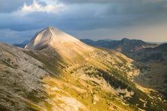 Sikt av det Vihren maximumet i de Pirin bergen Royaltyfria Foton