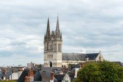 Sikt av domkyrkahelgonet Maurice, Angers (Frankrike) Arkivbild