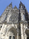 Sikt av domkyrkan av St Vita i Prague Royaltyfria Bilder