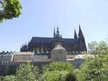 Sikt av domkyrkan av St Vita i Prague Arkivfoton