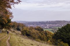 Sikt av Dorking, Surrey från surroundbygd arkivbild