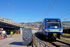 Sikt av drevstationen i Valparaiso, Chile Royaltyfria Bilder